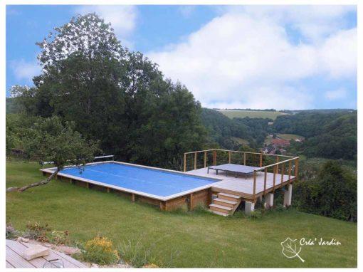 Aménagement d'une terrasse en bois autour d'une piscine