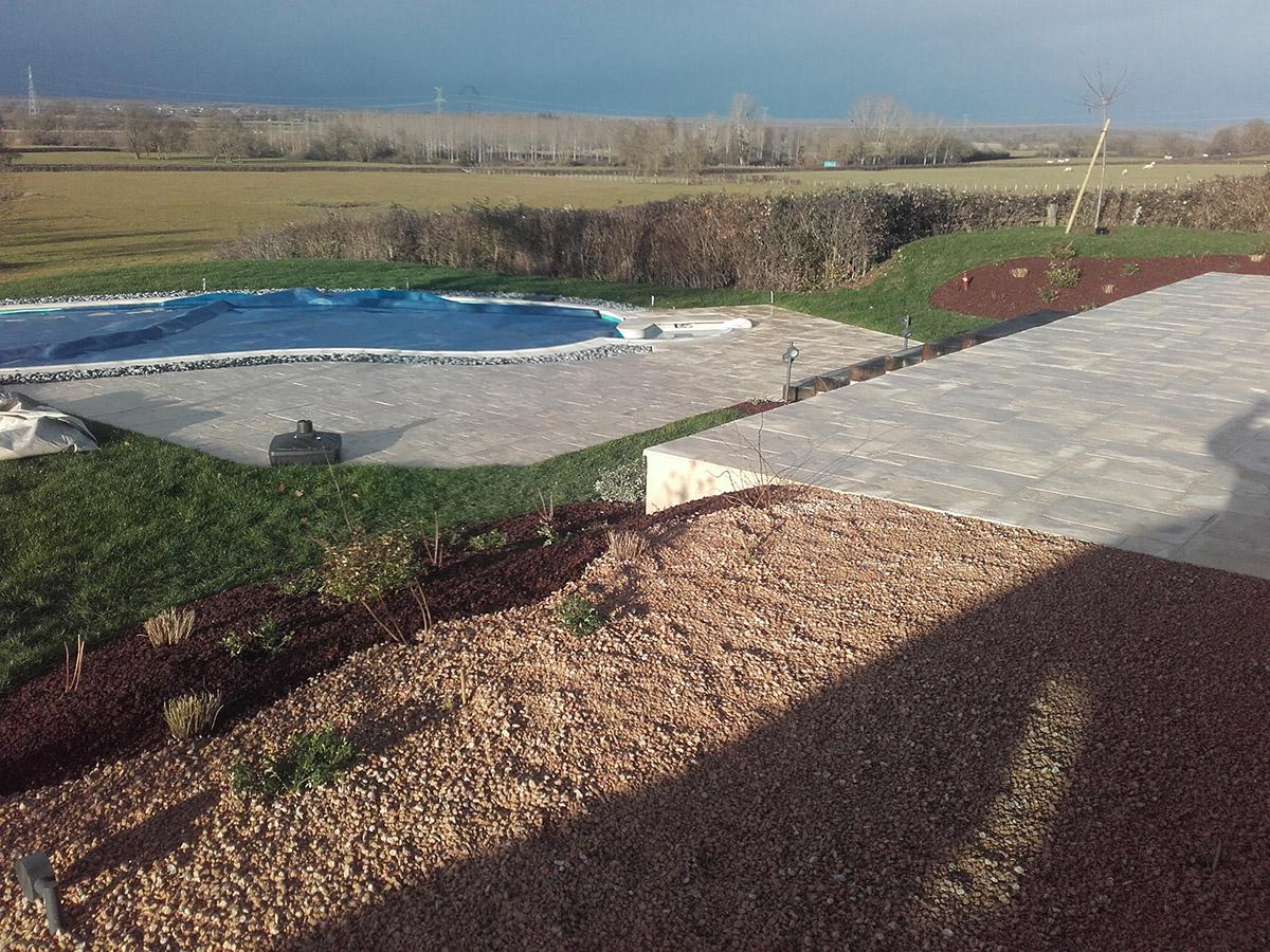 am nagement complet d 39 un jardin dijon paysagiste dijon cr a jardin. Black Bedroom Furniture Sets. Home Design Ideas