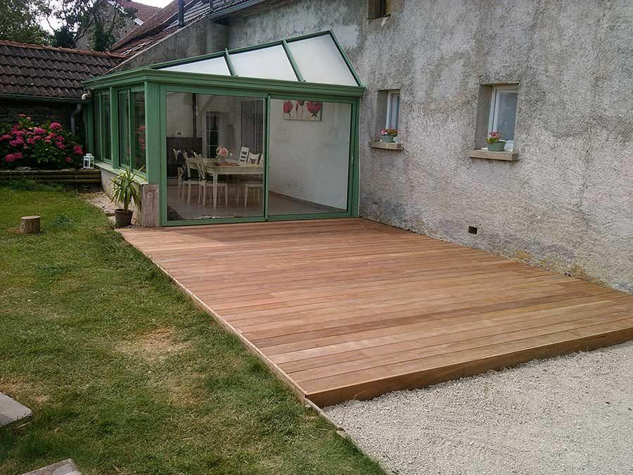Réalisation d'une terrasse en bois exotique près de Pouilly en Auxois